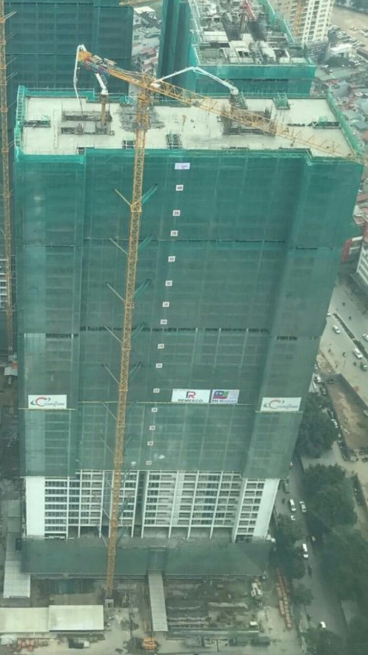 Vinhomes Metropolis Liễu Giai 42 tầng đã cất nóc